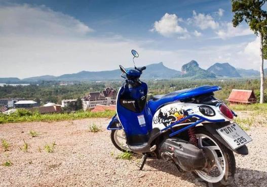 В Таиланде станут жестче контролировать процесс аренды мопедов