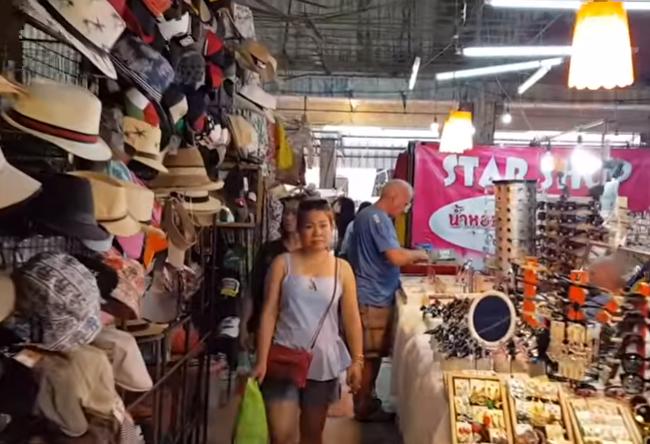 Рынок где одеваются фаранги Паттайя Grand Hall Market 2019 Pattaya Thailand
