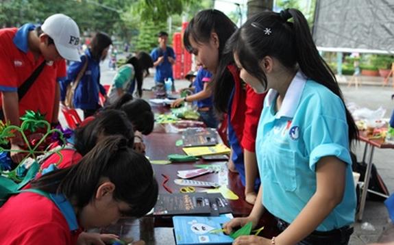 Члены профсоюза LG Display оказали помощь жителям Вьетнама и Камбоджи