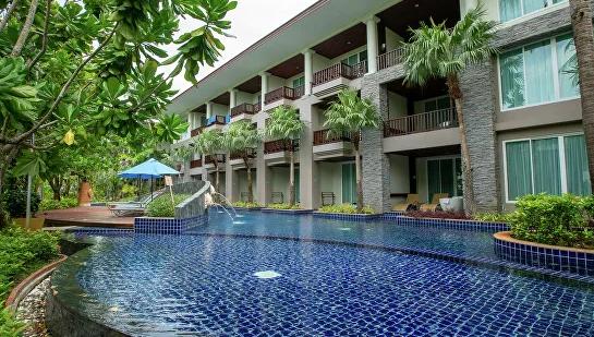 В Таиланде служащие отелей во время режима ЧП будут учить русский язык