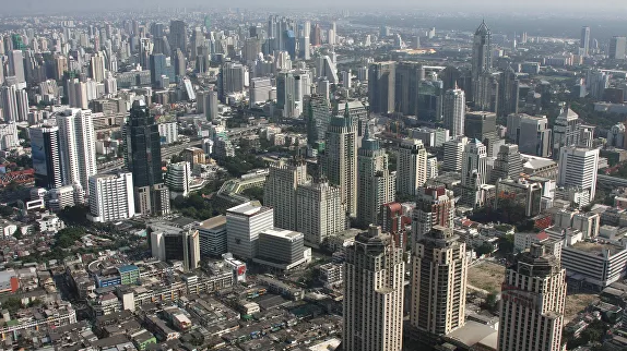 В Бангкоке все магазины будут закрывать на ночь из-за коронавируса