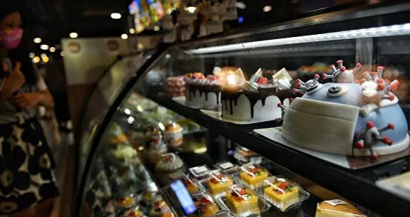 В Таиланде появились в продаже пирожные в виде модели коронавируса