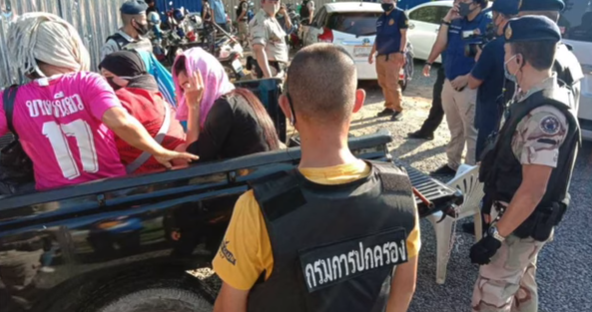Phuket police cleared in gambling den raid? Waste washes up on Phuket beaches! || Thailand News