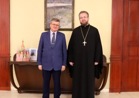Представитель Русской Православной Церкви встретился с Послом России в Камбодже