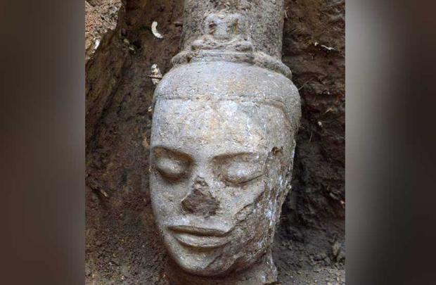 """В Камбодже обнаружили голову """"совершенного человека"""""""