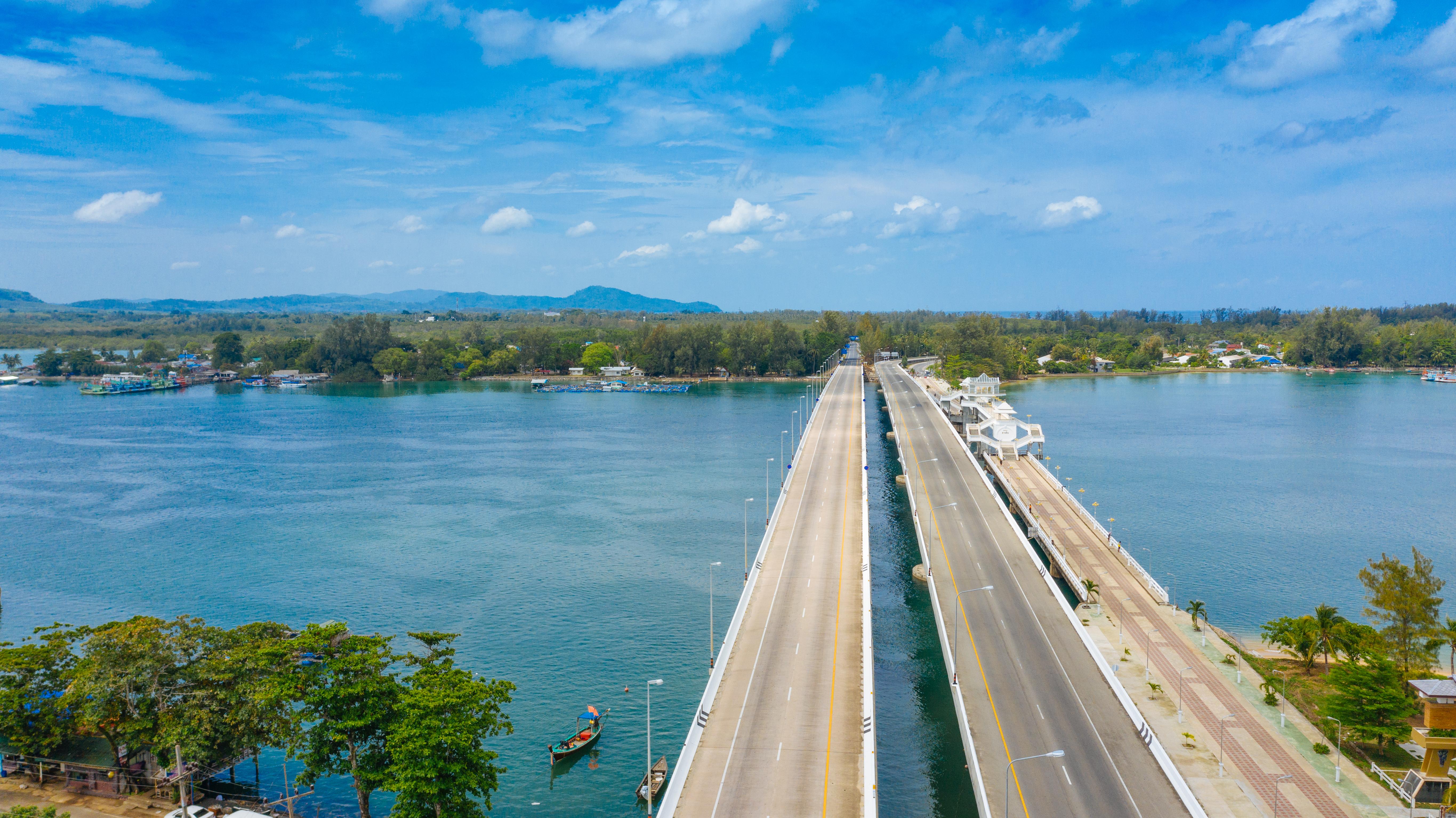 На Пхукете открыты морские и сухопутные границы