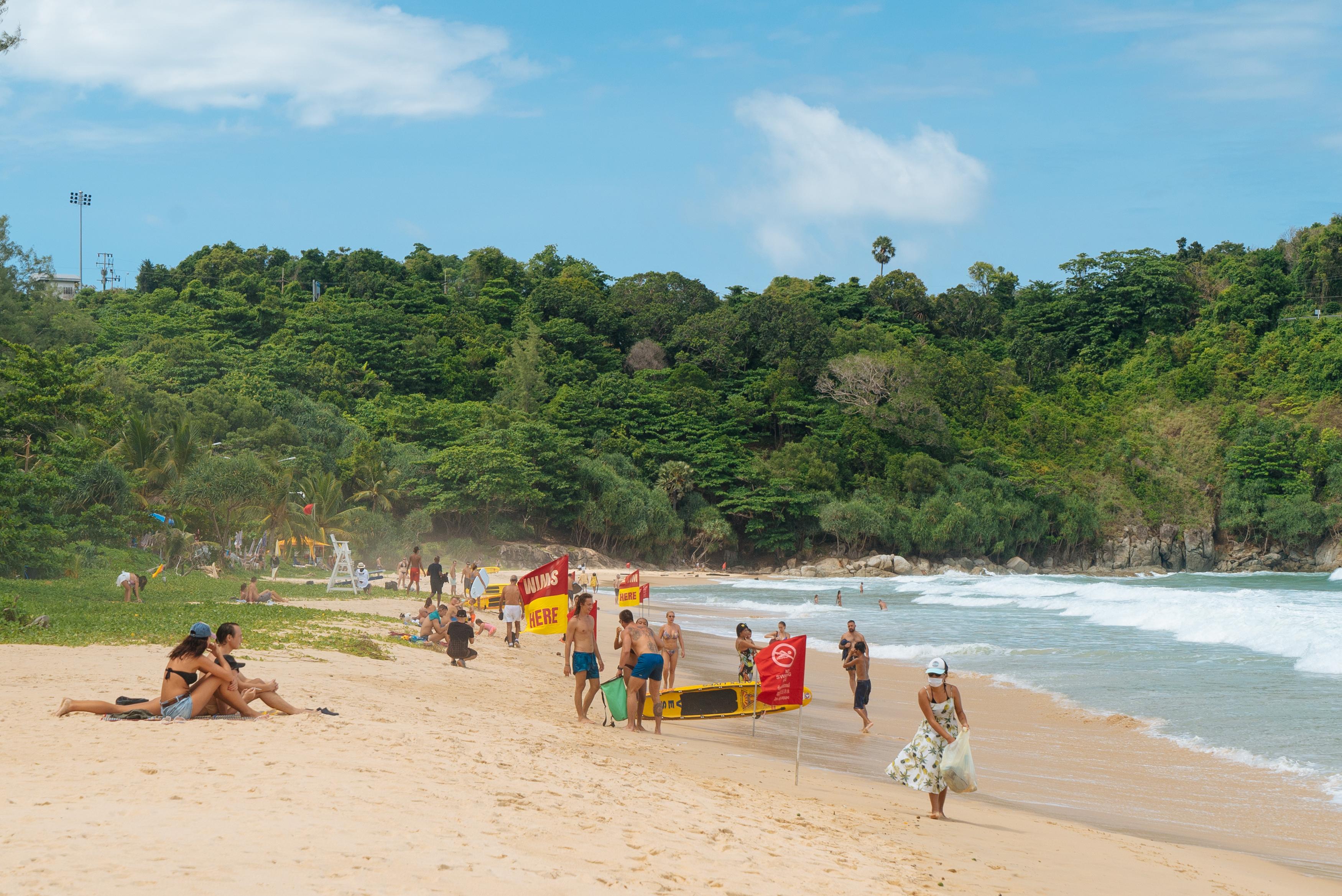 В МВД Таиланда распорядились проверить ношение масок на пляжах
