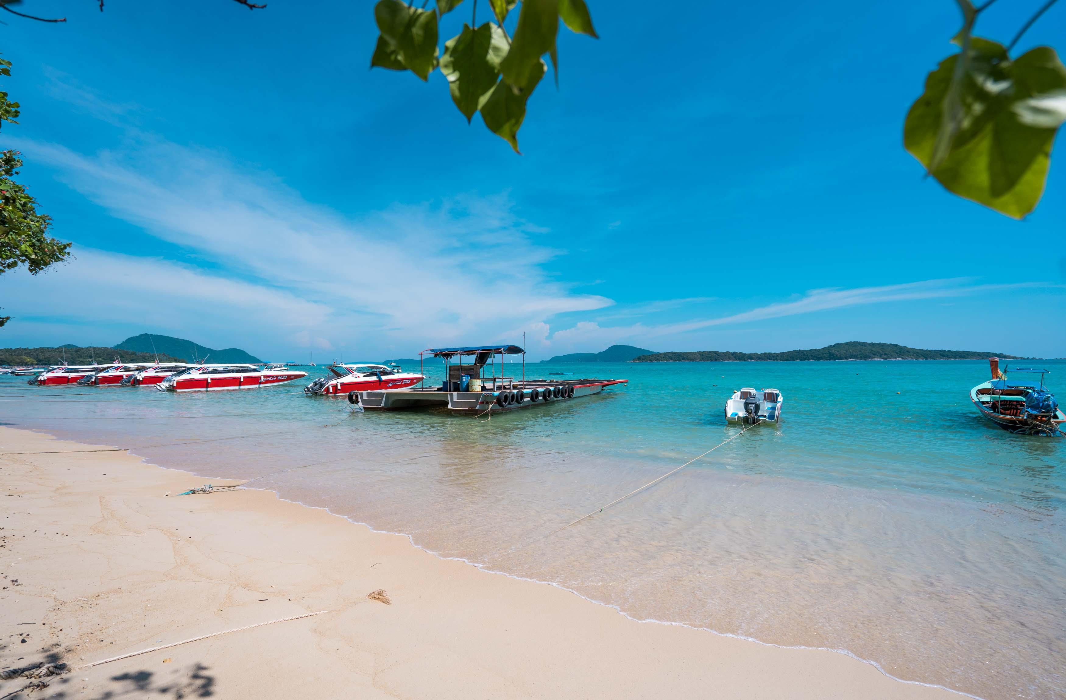 Таиланд откажется от массового туризма до восстановления отрасли