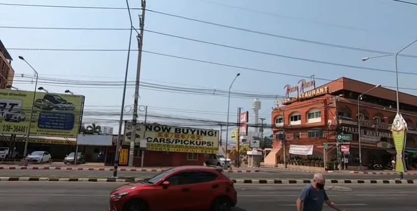 Паттайя, улица Тапрая. Таиланд планирует принять 5 млн. туристов в 2021 г. О российской вакцине