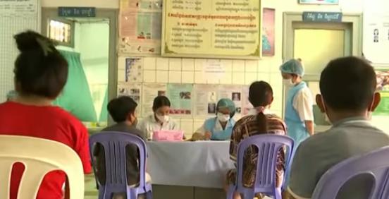 Вакцинацию подростков от COVID-19 начали в Камбодже