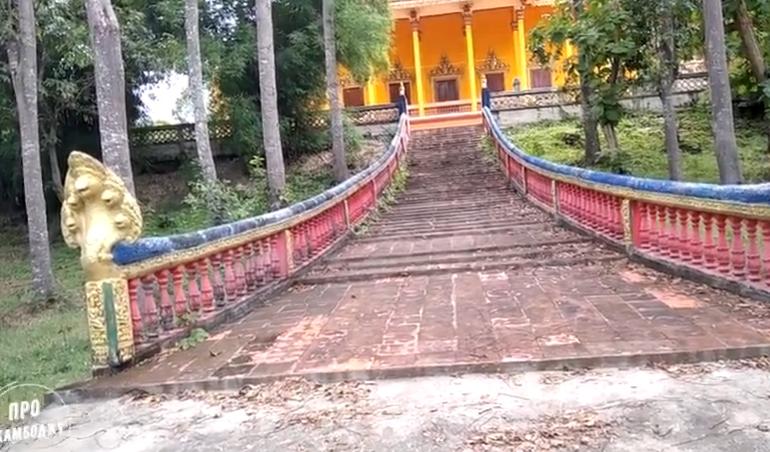 Плавающий храм - Прасат Андаэт. Камбоджа. Дальние храмы. Экскурсия на диване.