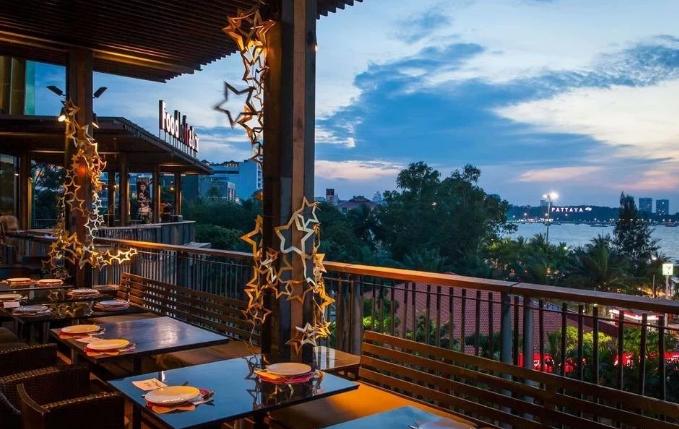 С 1 октября вакцинированные граждане смогут посещать рестораны в «тёмно-красных» зонах Таиланда