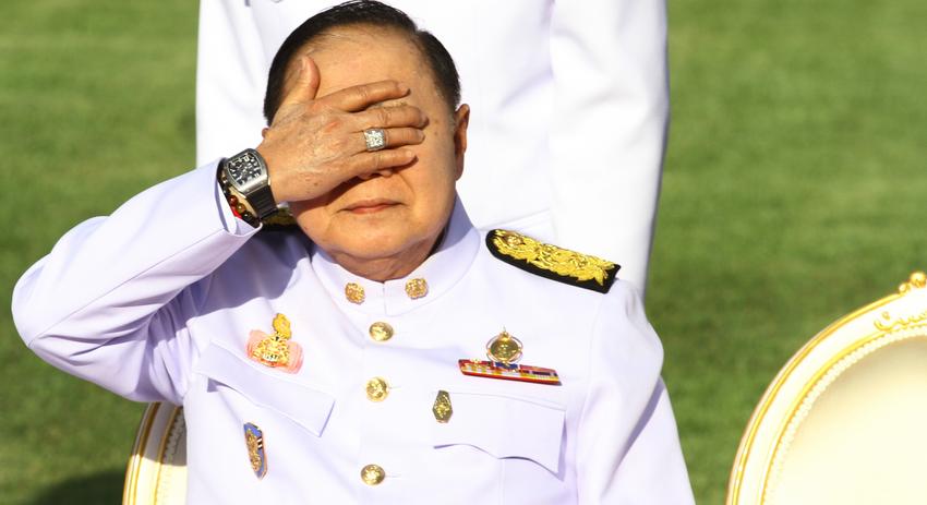 Вице-премьер Таиланда объяснил происхождение дорогих часов щедростью друга