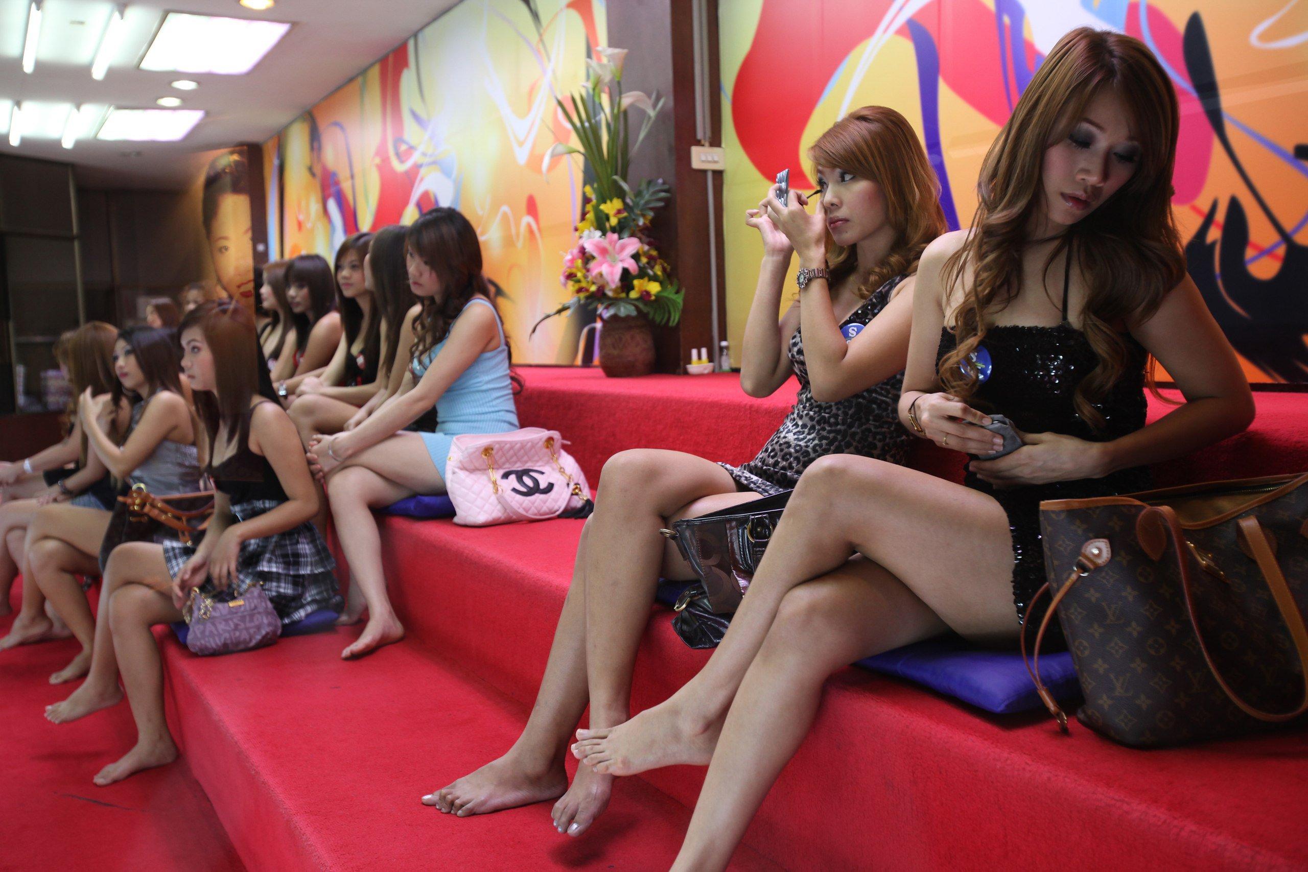 Полиция в Таиланде задержала участников секс-вечеринки за нарушение коронавирусных ограничений