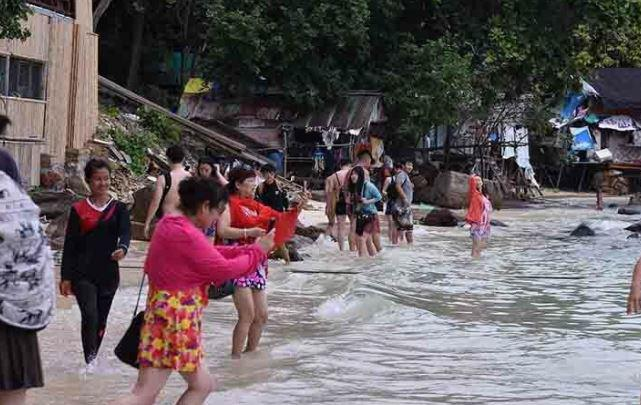 Китайским туристам не видать Таиланд ещё очень долго