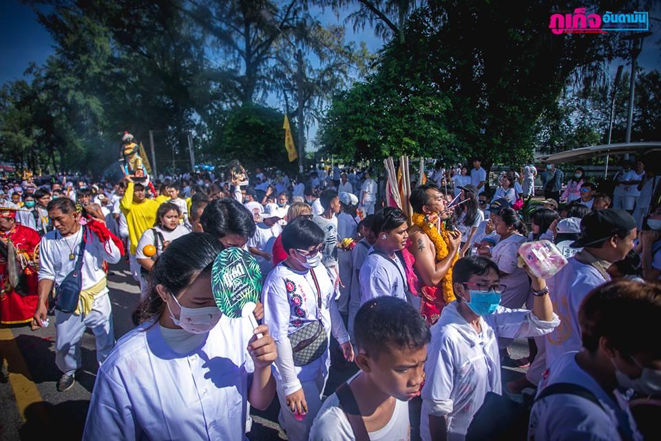 Вегетарианский фестиваль на Пхукете: 15 Октября. Церемония шествия, организованная  храмом Jui Tui Shrine, находящийся в Пхукет-Тауне