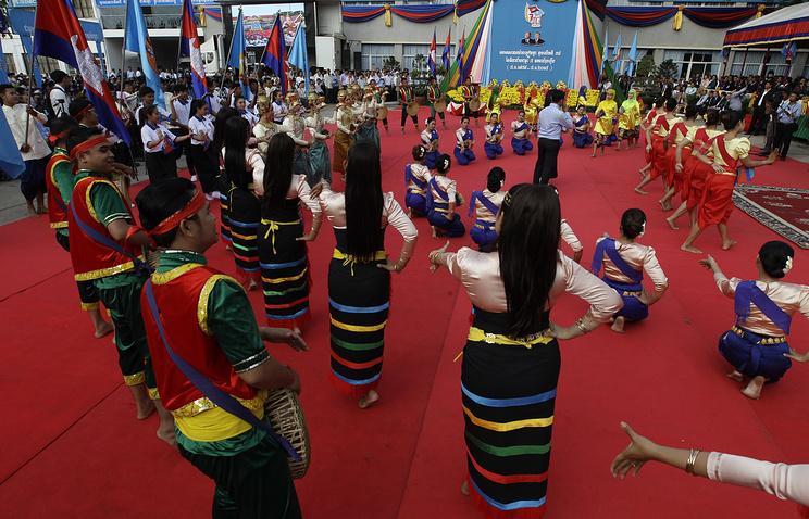 Камбоджа отмечает годовщину свержения полпотовского режима геноцида