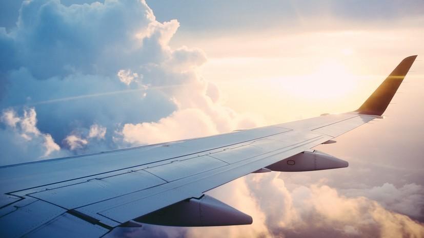 Летевший из Красноярска в Таиланд Boeing экстренно сел в Китае