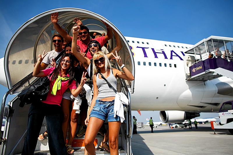 Таиланд разрешил нескольким категориям иностранцев прибывать в страну авиарейсами
