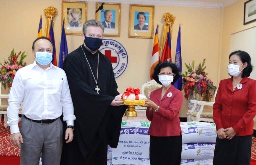 Приходы Русской Православной Церкви в Камбодже пожертвовали тонну риса для пострадавших от наводнений