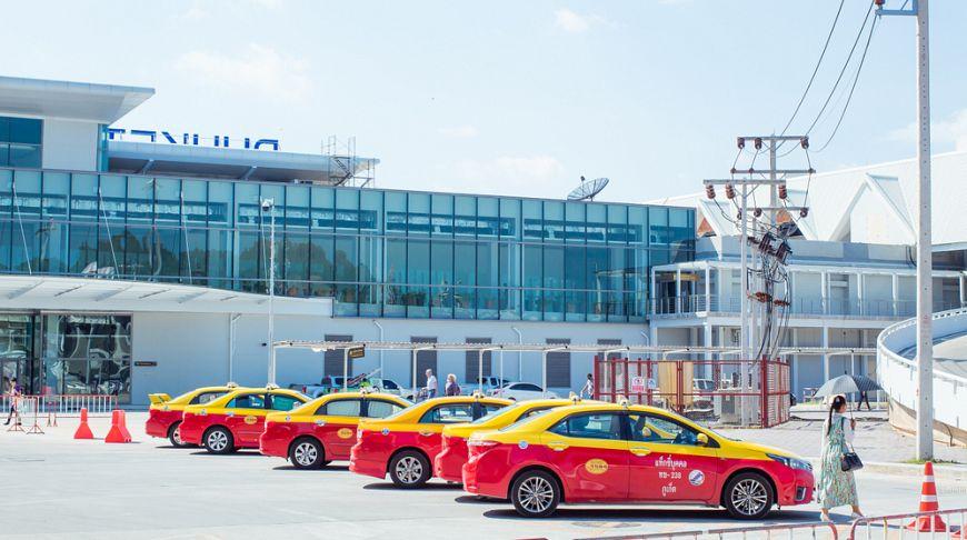 Аэропорт Пхукета закроют на две недели