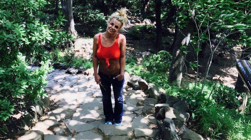 Бритни Спирс показала отличную форму на видео с отдыха на Пхукете