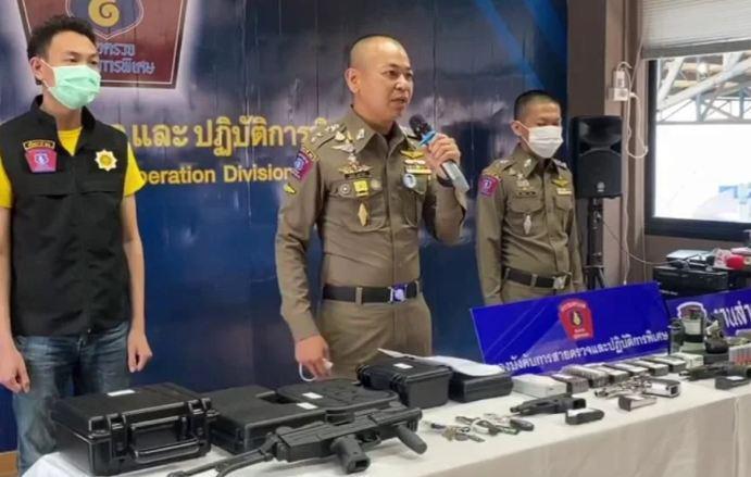 Полиция Таиланда поймала двух вооружённых до зубов торговцев оружием