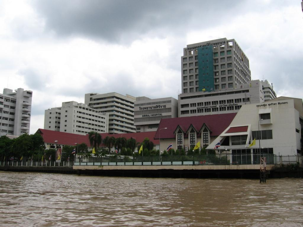 В Таиланде ищут родственников впавшего в кому жителя Кузбасса