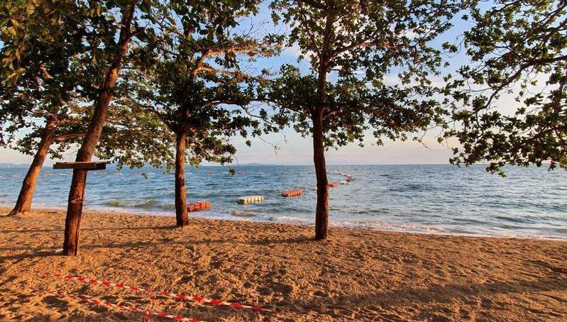 Популярный в Паттайе пляж Джомтьен будет заполнен песком с не менее популярного острова Ко Лан