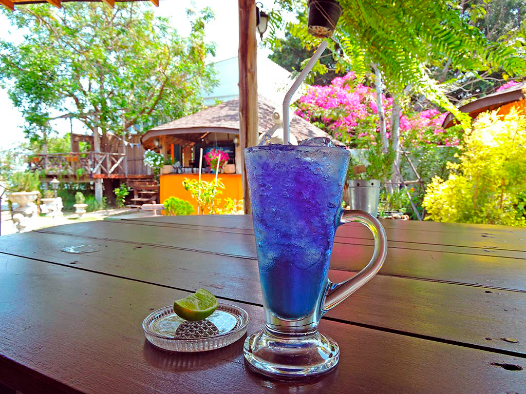 Десертные напитки из трав в Таиланде