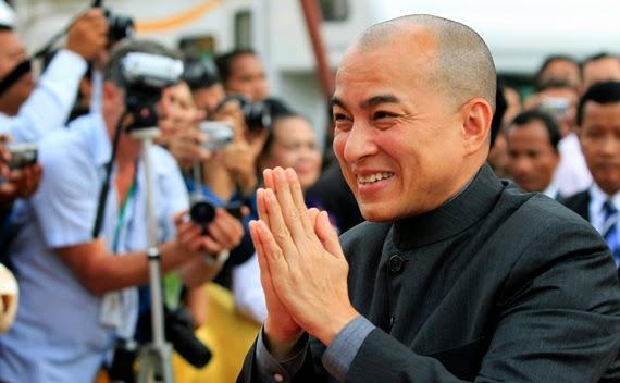 Камбоджа вынесла первый приговор за оскорбление короля 70-летнему паркимахеру