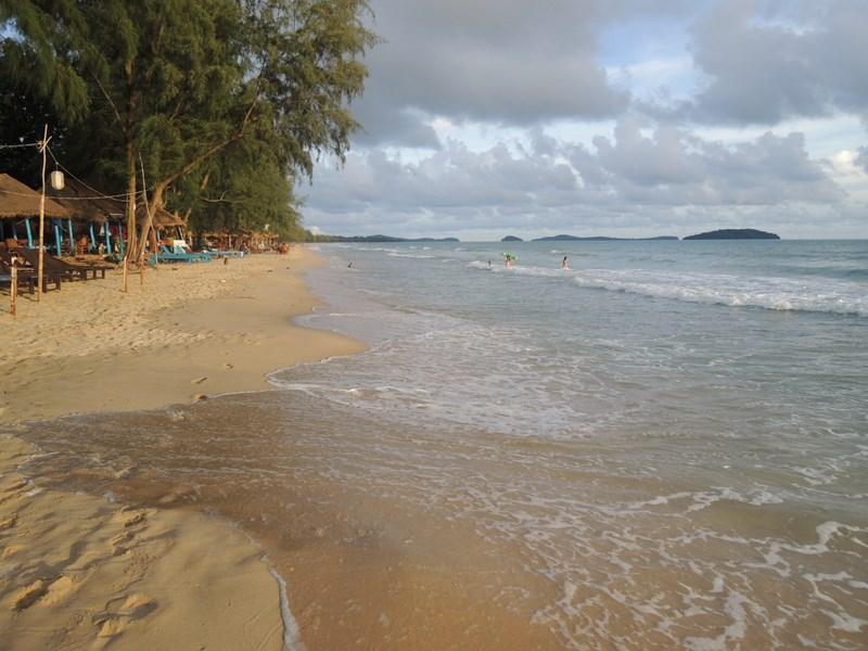 Мониторинг сиануквильских пляжей