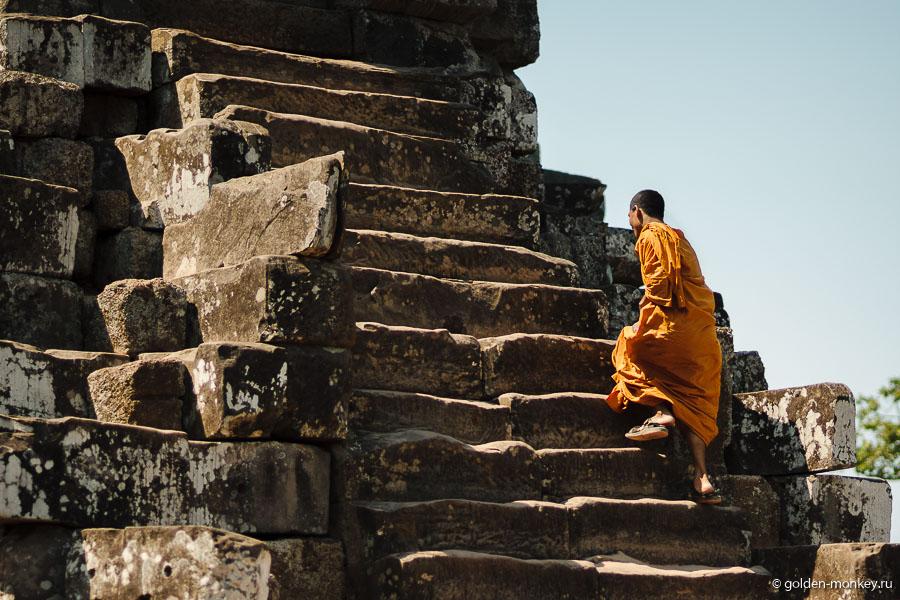 10 малых храмов Ангкора и гора заходящего солнца