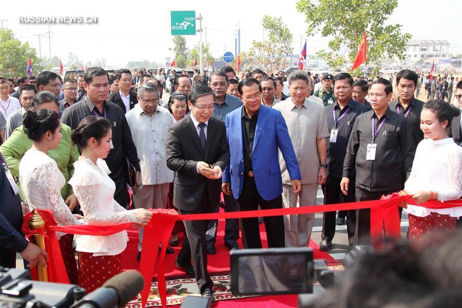 Китай помог Камбодже построить шоссе на границе с Таиландом