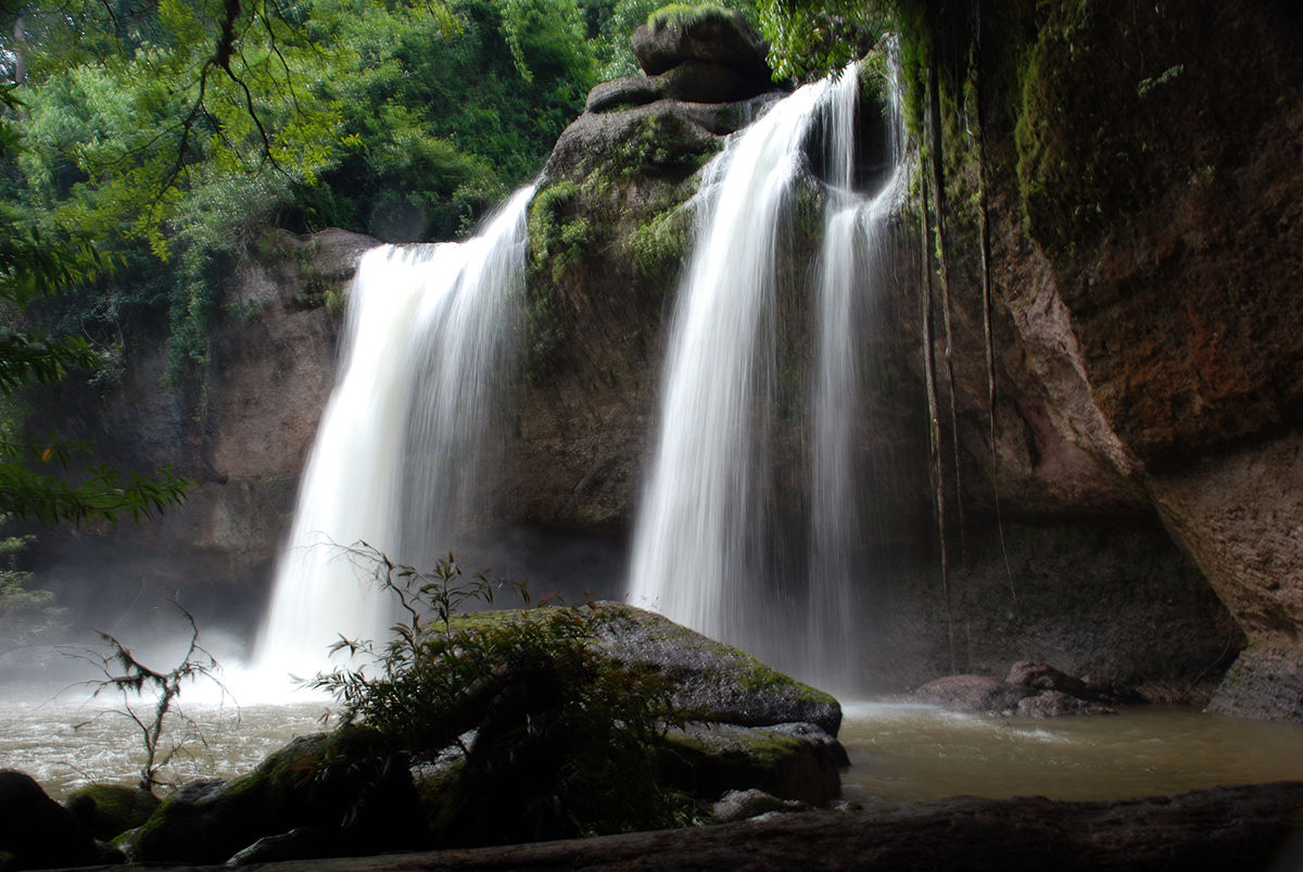 Водопады в морском национальном парке Краби закрыты из-за ливней
