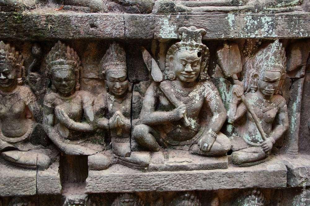 Ангкор Том — путеводитель по храмам Байон и Бапуон, террасам Слонов и Прокаженного короля в Камбодже | Angkor Thom