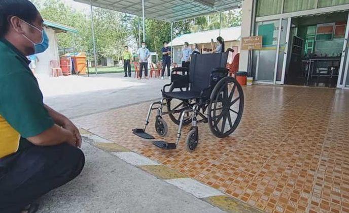 Кресла-привидения в тайских больницах