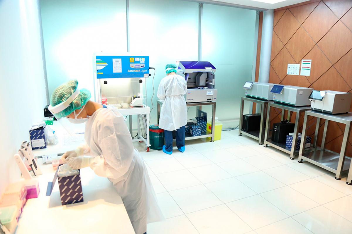Лаборатория на Covid-19 в аэропорту Суварнабхуми