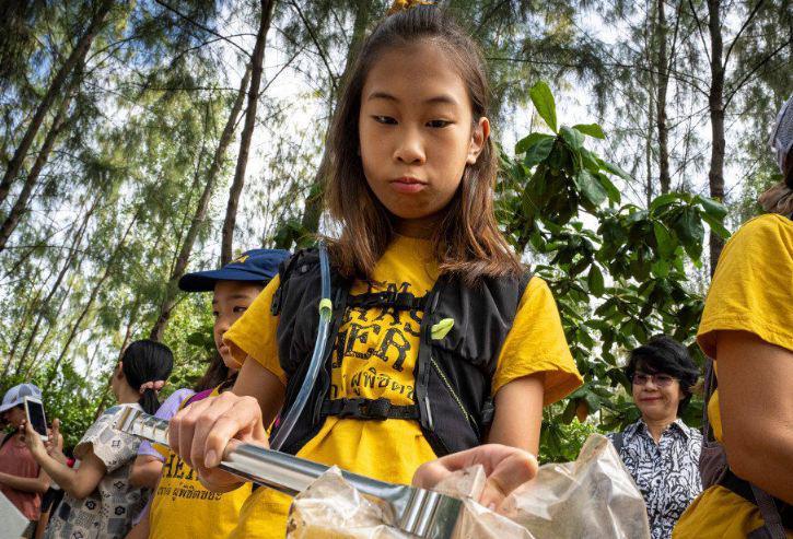 12-летняя школьница объявила войну мусору в Таиланде