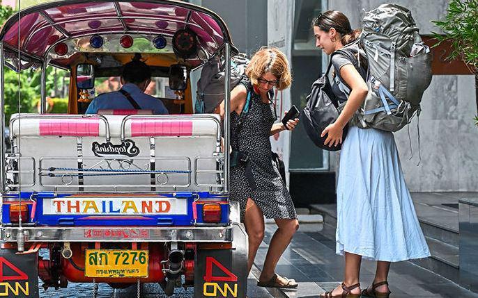 """Азиатские туристы """"вытеснят"""" европейцев из Таиланда"""