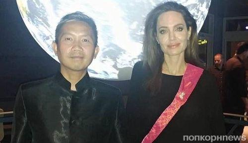 СМИ: Анджелина Джоли закрутила роман с режиссером из Камбоджи
