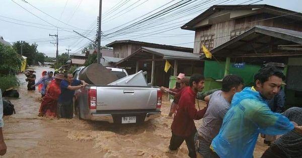 """Тропический шторм """"Синлаку"""" разрушил более 1300 домов в Таиланде"""