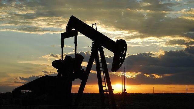 В Камбодже добыли первую собственную нефть
