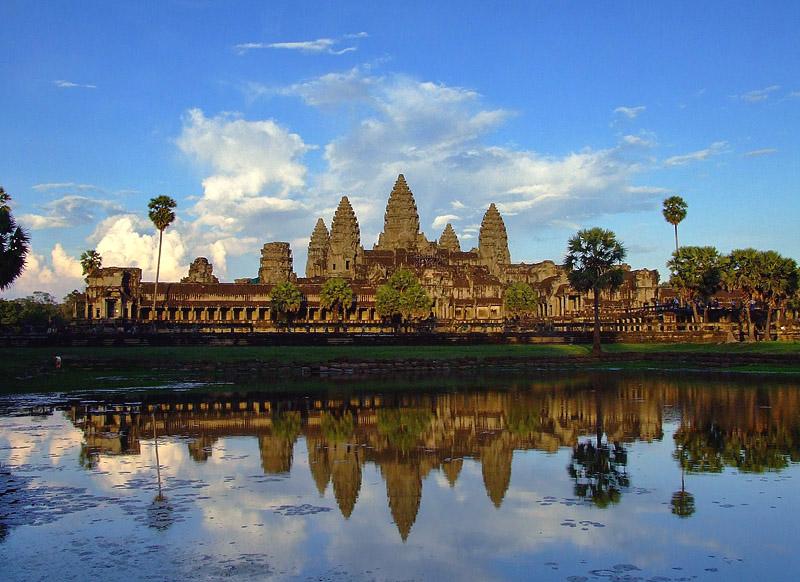 Александр Шлотов: «Несменяемость власти в Камбодже – один из этапов развития»