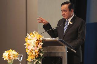Премьер Таиланда пригрозил арестом водителям, которые загрязняют атмосферу