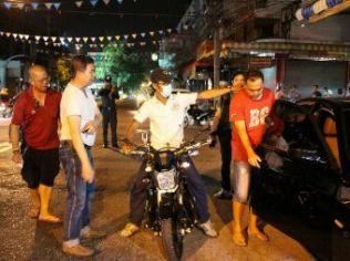Мотовор сорвал золотую цепь с главы Китайской ассоциации гидов