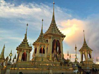 Таиланд продлил доступ в королевский крематорий Пумипона до 31 декабря