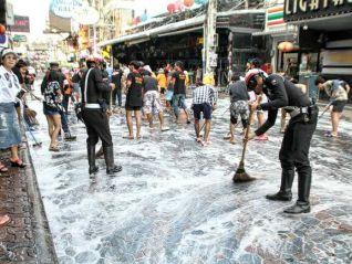 Полицейские провели генеральную уборку на Волкин-стрит