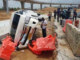 Фургон с китайскими туристами перевернулся по дороге в Паттайю