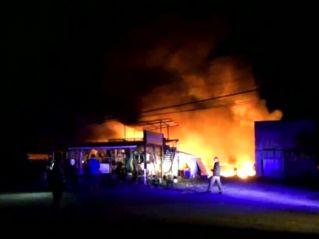 В Чон-Бури сгорел склад сэконд-хэнда